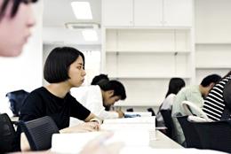 検定試験への挑戦が、確実な専門力を鍛えます