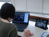 自宅にいる学生たちとオンライン授業